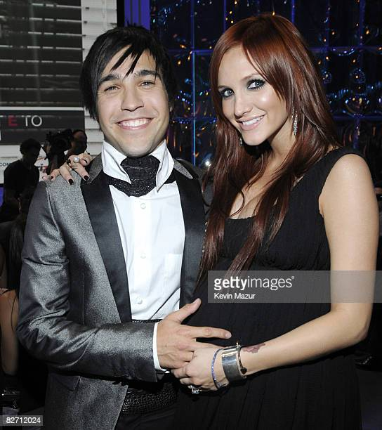 Pete Wentz and Ashlee Simpson backstage at the 2008 MTV Video Music Awards at Paramount Pictures Studios on September 7 2008 in Los Angeles California