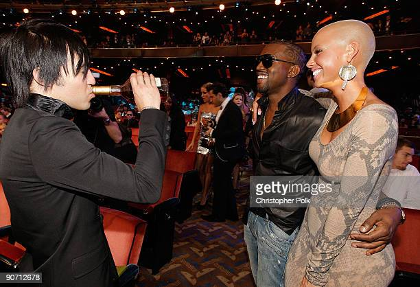 Pete Wentz of Fall Out Boy Kanye West and Amber Rose talk at the 2009 MTV Video Music Awards at Radio City Music Hall on September 13 2009 in New...