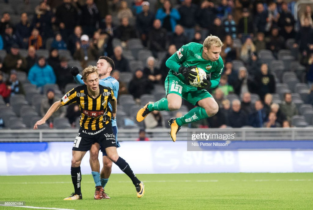 Peter Abrahamsson, goalkeeper of BK Hacken makes a save during the Allsvenskan match between Djurgardens IF and BK Hacken at Tele2 Arena on October 22, 2017 in Stockholm, Sweden.