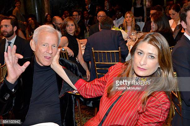 Peter Beard and Nejma Beard attend The Gordon Parks Foundation 10th Anniversary Awards Dinner and Auction at Cipriani 42nd Street on May 24 2016 in...