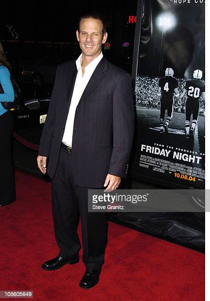 """Peter Berg during """"Friday Night Lights"""" Los Angeles Premiere - Arrivals at Grauman's Chinese Theatre in Hollywood, California, United States."""