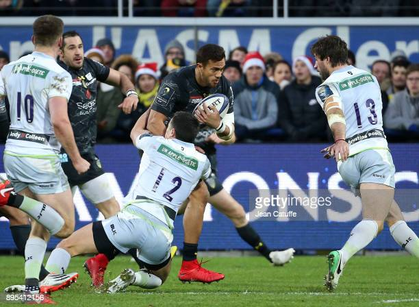 Peter Betham of Clermont during the European Rugby Champions Cup match between ASM Clermont Auvergne and Saracens at Stade Marcel Michelin on...