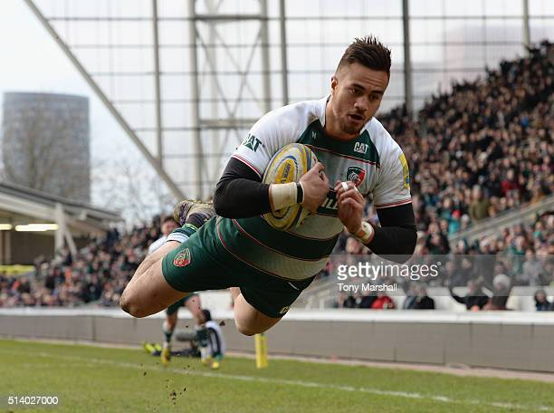 Peter Betham of Leicester Tigers dives in to score a try during the Aviva Premiership match between Leicester Tigers and Exeter Chiefs at Welford...