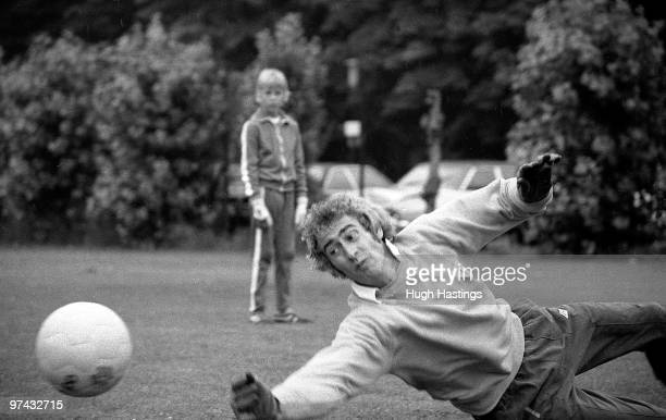 Peter Bonetti of Chelsea during the PreSeason Training Session held in August 1978 at Imber Court London