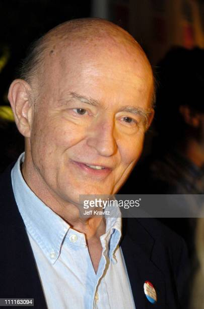 Peter Boyle during 'Everybody Loves Raymond' Celebrates 200th Episode at Spago in Beverly Hills California United States
