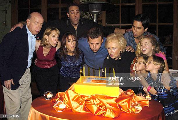 Peter Boyle Monica Horan Brad Garrett Patricia Heaton Phil Rosenthal creator Doris Roberts Ray Romano Madylin Sweeten Sawyer Sweeten and Sullivan...