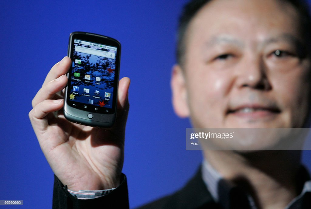 Google Debuts Its Nexus One Cell Phone : News Photo