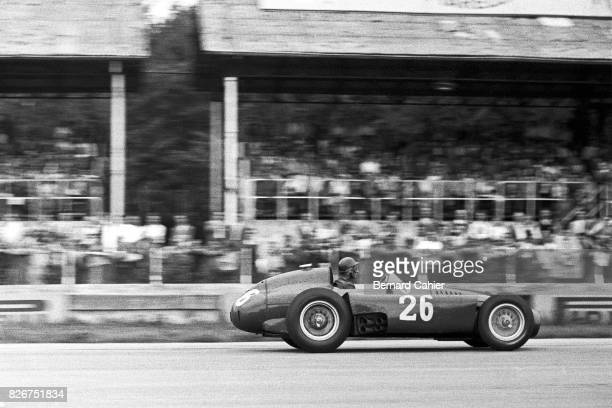 Peter Collins, Ferrari D50, Grand Prix of Italy, Monza, 09 February 1956. During the race, Peter Collins voluntarily pulled in and gave his car to...