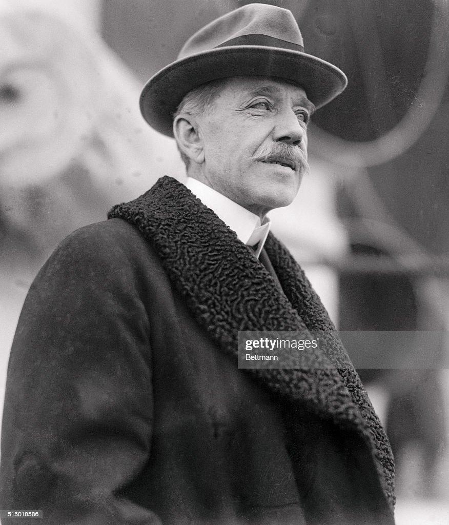 Peter Cooper Hewitt, (1861 1921), Was An American Electrical Engineer Who