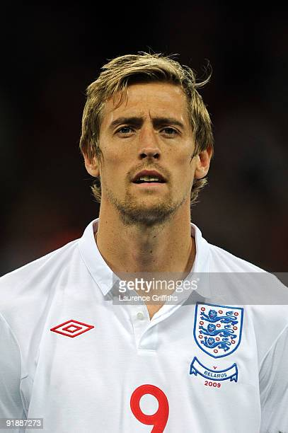 Peter Crouch of England looks on during the FIFA 2010 World Cup Qualifying Group 6 match between England and Belarus at Wembley Stadium on October 14...