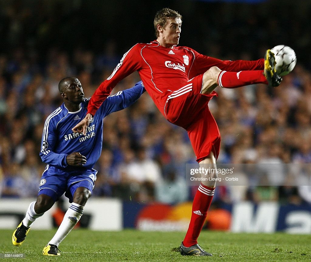 Soccer - UEFA Champions League Semifinals - Chelsea vs. Liverpool : ニュース写真