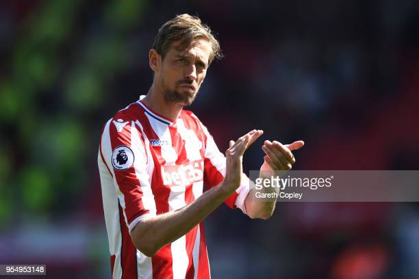 Peter Crouch of Stoke City applauds the fans after the Premier League match between Stoke City and Crystal Palace at Bet365 Stadium on May 5 2018 in...
