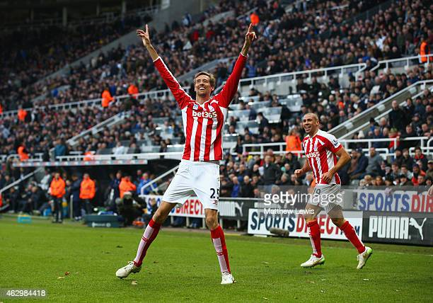Peter Crouch of Stoke City celebrates with Jonathan Walters as he scores their first and equalising goal during the Barclays Premier League match...