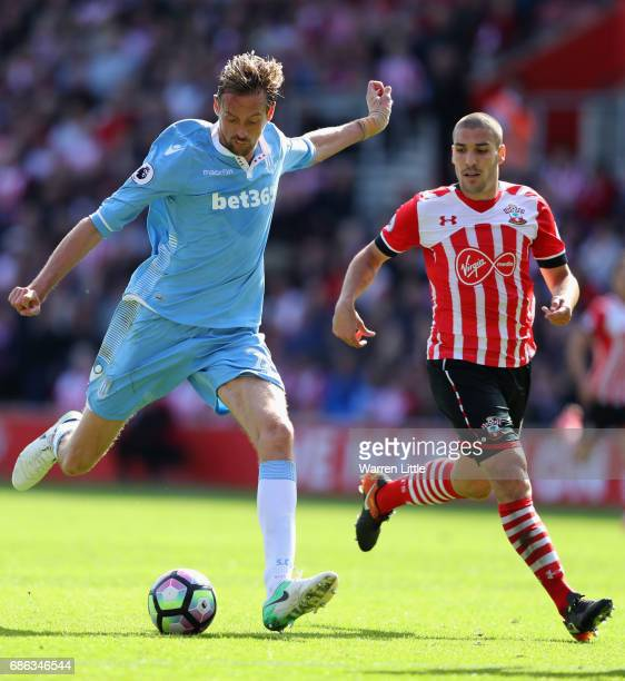 Peter Crouch of Stoke City shoots on goal during the Premier League match between Southampton and Stoke City at St Mary's Stadium on May 21 2017 in...