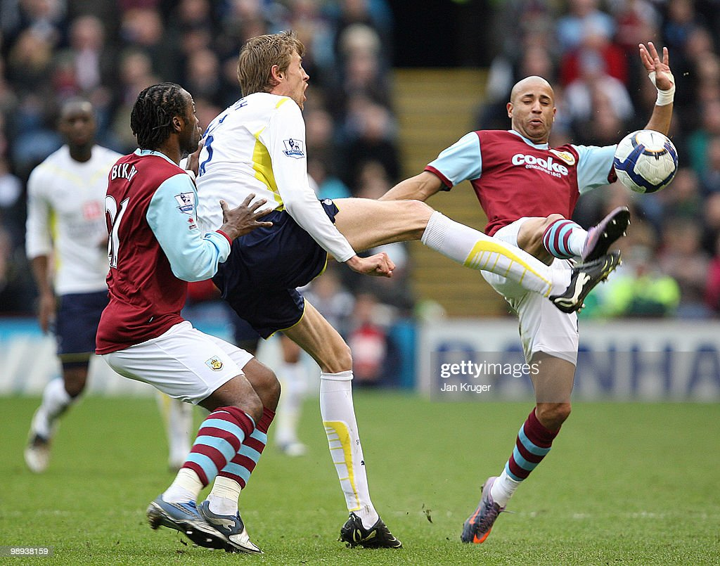 Burnley v Tottenham Hotspur - Barclays Premier League : News Photo