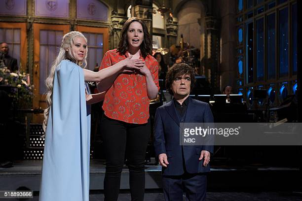 LIVE 'Peter Dinklage' Episode 1699 Pictured Kate McKinnon Vanessa Bayer and Peter Dinklage during the monologue on April 2 2016