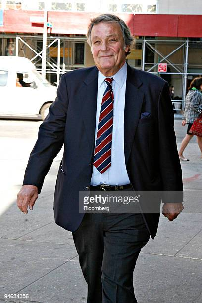 Peter Duchin pianist and band leader arrives to attend funeral services for historian Arthur M Schlesinger Jr at the Great Hall at Cooper Union in...