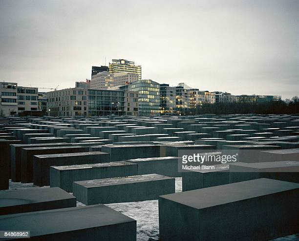 peter eisenman holocaust memorial berlin - holocaust stock pictures, royalty-free photos & images