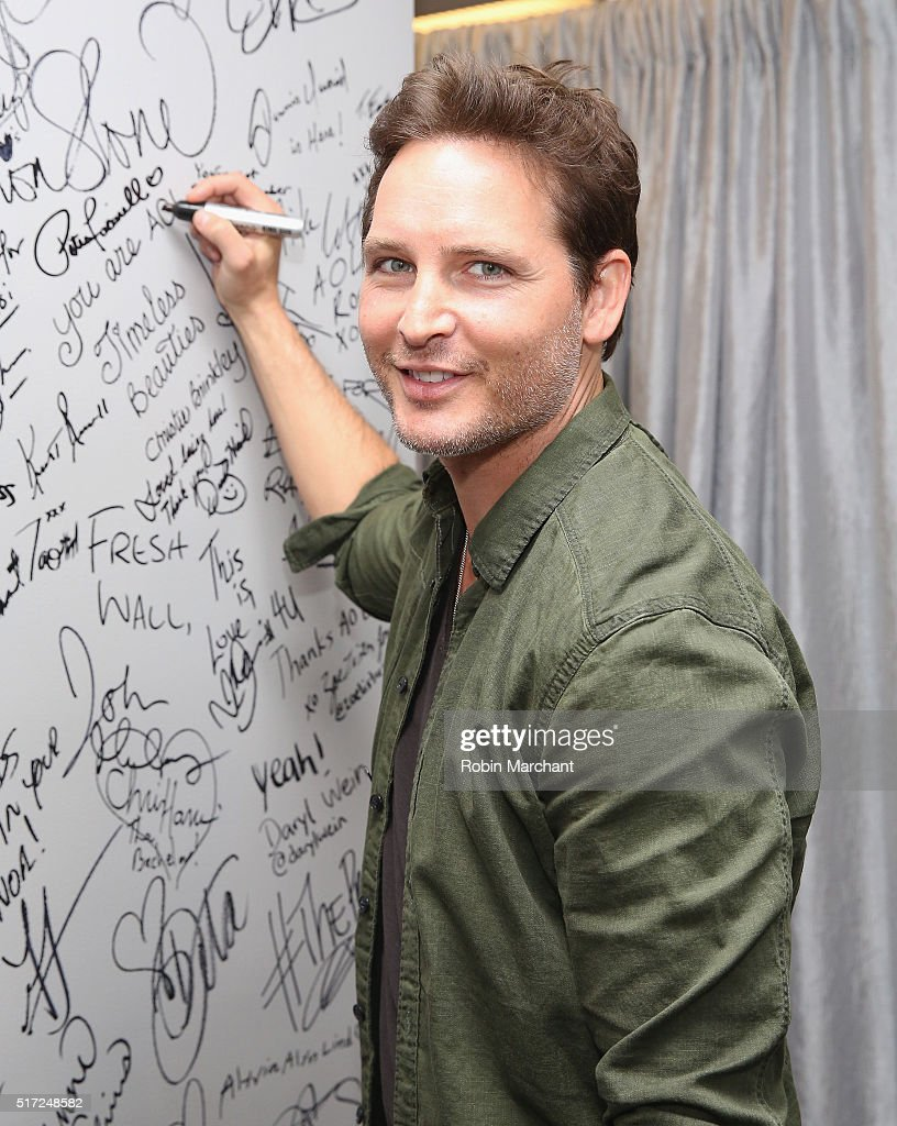 Peter Facinelli attends AOL Build Speaker Series Peter Facinelli Discusses 'Supergirl' at AOL Studios In New York on March 24, 2016 in New York City.