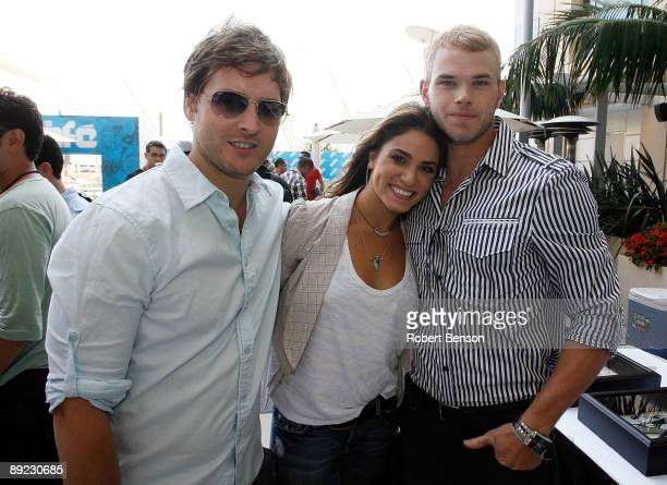 Peter Facinelli, Nikki Reed and Kellan Lutz meet up at the WIRED Cafe at Comic-Con on July 23, 2009 in San Diego, California.