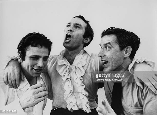 Peter Falk Ben Gazzara and John Cassavetes in 1969 during the filming of Husbands at the Hyde Park Hotel in London United Kingdom