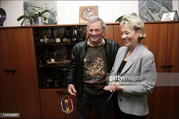 Peter Falk receives the medails of the brigde des tigres from Martine Montiel Director of the Judiciare police In Paris France On November 23 2006