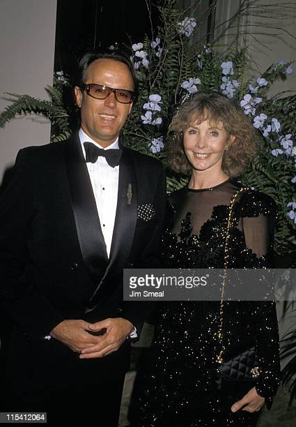 Peter Fonda and Shirlee Fonda during Hollywood Salutes The Kennedy Center Honorees at Beverly Hilton Hotel in Beverly Hills California United States