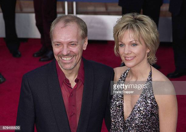 Peter Frampton and wife Tina arrive at the 43rd Annual Grammy Awards