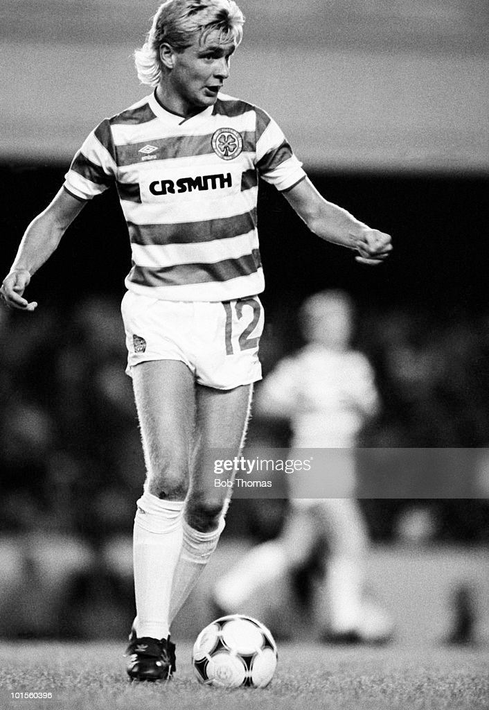 Peter Grant of Celtic in action against Arsenal during a pre-season friendly match held at Highbury, London on 5th August 1986. Celtic beat Arsenal 2-0. (Bob Thomas/Getty Images).