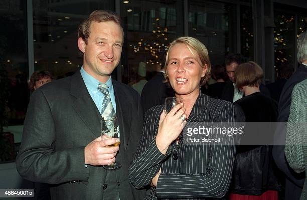 """Peter Heinrich Brix, Ehefrau Angela, 14/ """"Telestar""""-Verleihung am , Köln, Deutschland."""