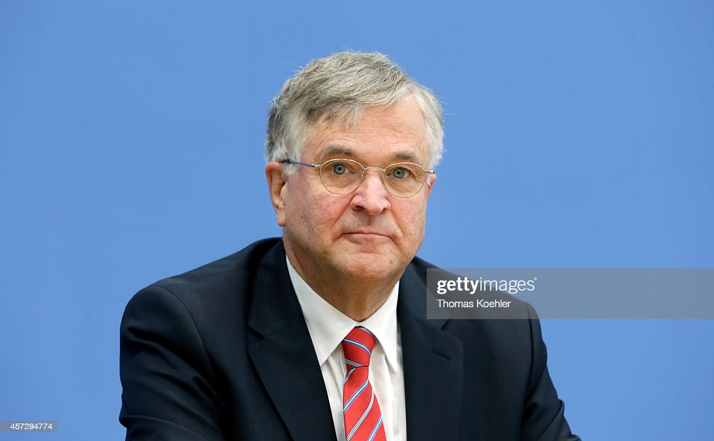 Peter Hintze, CDU, pictured during a press conference on October 16, 2014 in Berlin, Germany.
