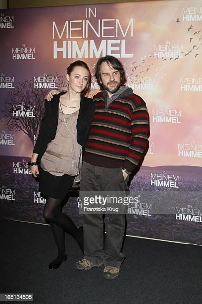 Peter Jackson Und Saoirse Ronan Bei Einem Photocall Zum Film In Meinem Himmel In Berlin