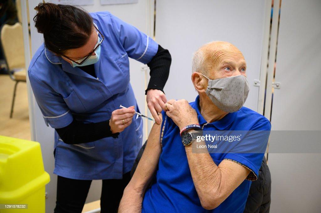 Covid-19 Vaccination Clinics Open In Surrey : News Photo