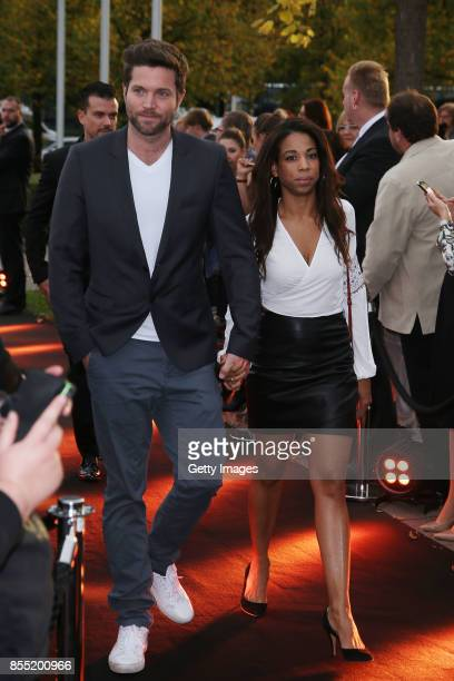 Peter Ketnath and Maykelis Ketnath attend the black carpet at the 'Bodyguard Das Musical' premiere at Stage Palladium Theater on September 28 2017 in...