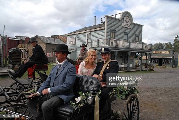 "Peter Ketnath, Jessica Boehrs, ZDF-Reihe ""Im Tal der wilden Rosen"", Folge 3: ""Gipfel der Liebe"", am Set, Calgary, Alberta, Kanada, Nordamerika,..."