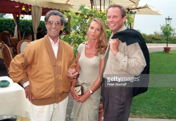 Peter Kraus Ehefrau Ingrid Kraus Vico Torriani Lugano/Schweiz Sonnenbrille Tasche Schauspieler Sänger Schauspielerin Promis Prominente Prominenter HD