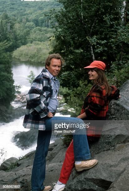"""Peter Kraus, Ingrid Peters, ZDF-Musikshow """"Hallo, Peter"""" - Folge """"Kanada"""" am bei Toronto, Kanada. """