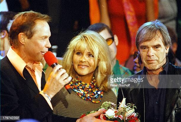 Peter Kraus Lena Valaitis EhemannHorst Jüssen ZDFShow Schlagerparty Die Sommernacht im ZDF Auftritt Ehefrau Sänger Sängerin Schauspieler