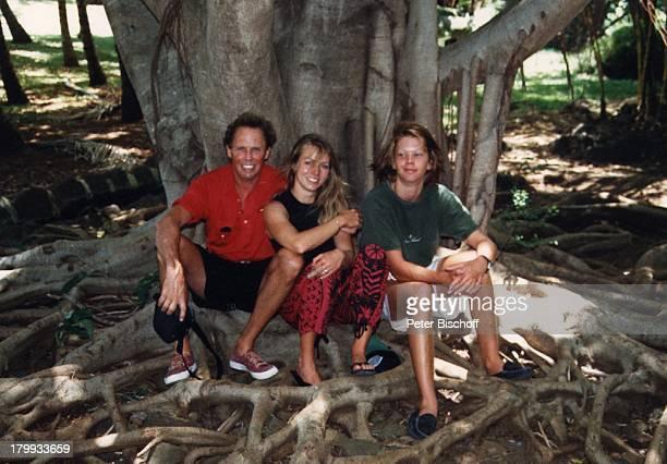 Peter Kraus mit Tochter Gabriele und Sohn;Micky, Mauritius, Urlaub, Sänger,