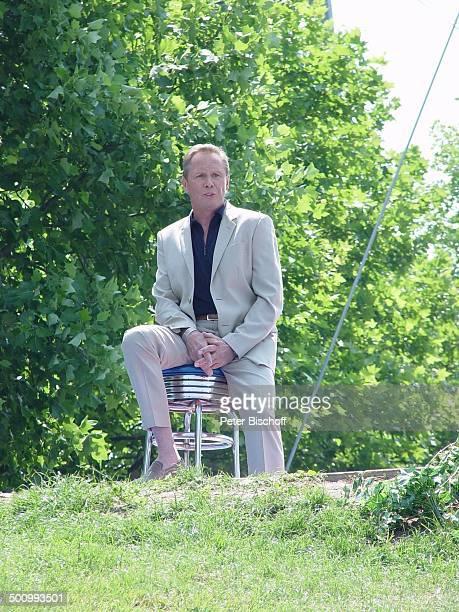 Peter Kraus ZDFFernsehgarten Mainz Stuhl Barhocker Natur Bäume Sänger Schauspieler Promi Foto PBischoff/E