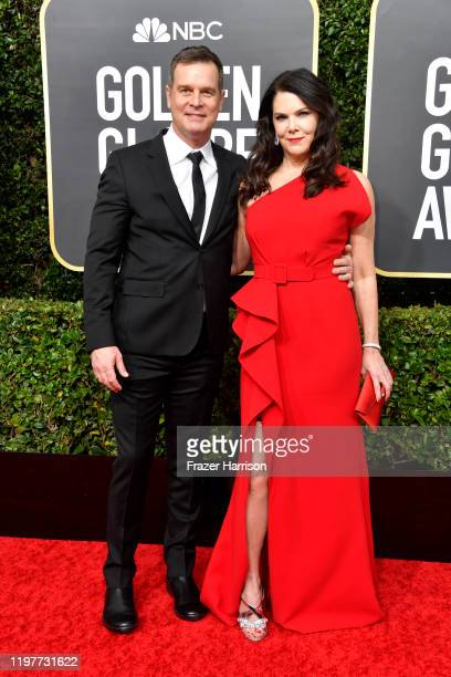 Peter Krause and Lauren Graham attend the 77th Annual Golden Globe Awards at The Beverly Hilton Hotel on January 05 2020 in Beverly Hills California