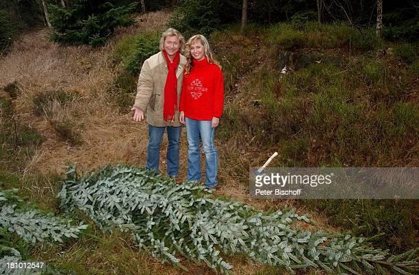 Peter Kunze Ehefrau Kathrin Kunze Dreharbeiten zum MDRSpecial Langer Samstag Der große Weihnachtsbaumabend Waltersdorf/Zittauer Gebirge Musikgruppe...
