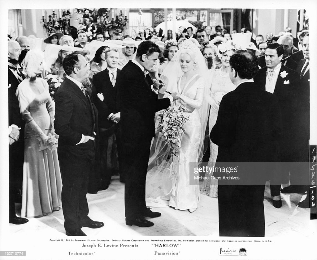 Peter Lawford And Carroll Baker In 'Harlow' : News Photo