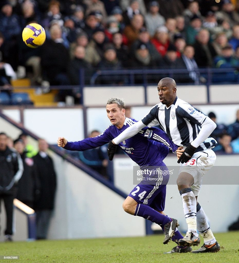 Peter Lovenkrands tussels with Abdoulaye Meite (R) during the Barclays Premier League game between West Bromwich Albion and Newcastle United at the Hawthorns on February 07, 2009, in West Bromwich, England. (Photo by Ian Horrocks/Newcastle United via Getty Images) Newcastle-upon-Tyne, England.