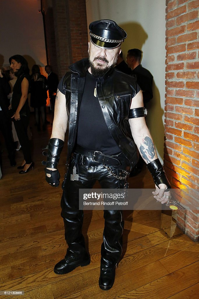 Peter Marino attends the private Dinner hosted by Surface Magazine And Azzedine Alaia Private Dinner as part of Paris Fashion Week Spring/Summer 2017on October 2, 2016 in Paris, France.