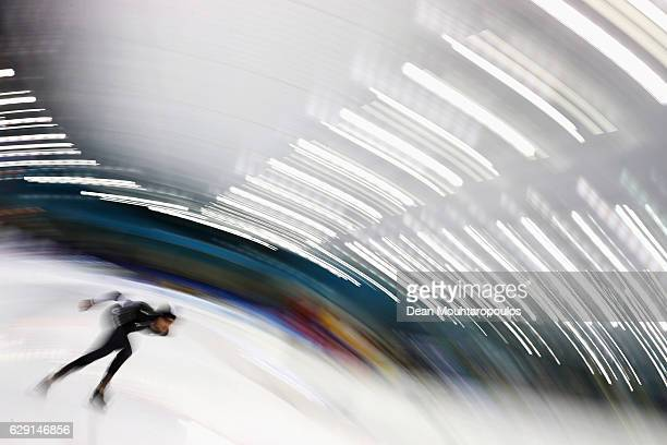 Peter Michael of New Zealand competes in the 10000m Mens race on Day Three of the Speed Skating ISU World Cup on December 11 2016 in Heerenveen...