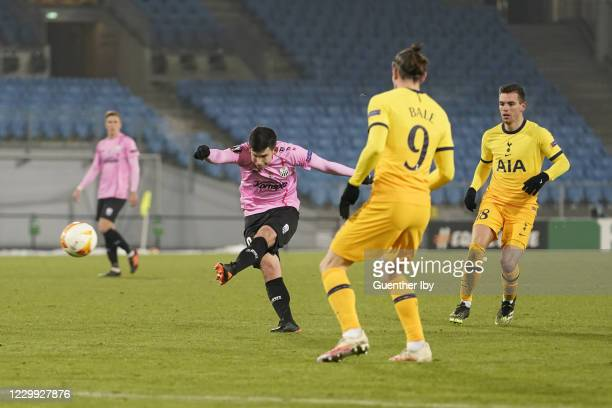 Peter Michorl of LASK scores the opening goal during the UEFA Europa League group J match between LASK and Tottenham Hotspur at Raiffeisen Arena on...