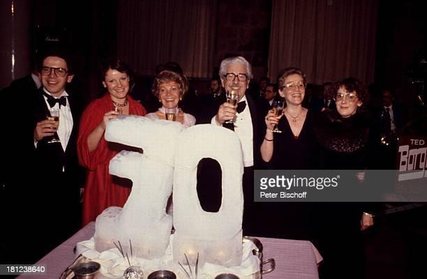 Peter Millowitsch, Tochter Mariele Millowitsch, Mutter Gerda Millowitsch, Vater Willy Millowitsch, Tochter Katarina Millowitsch, Name auf Wunsch, ,...
