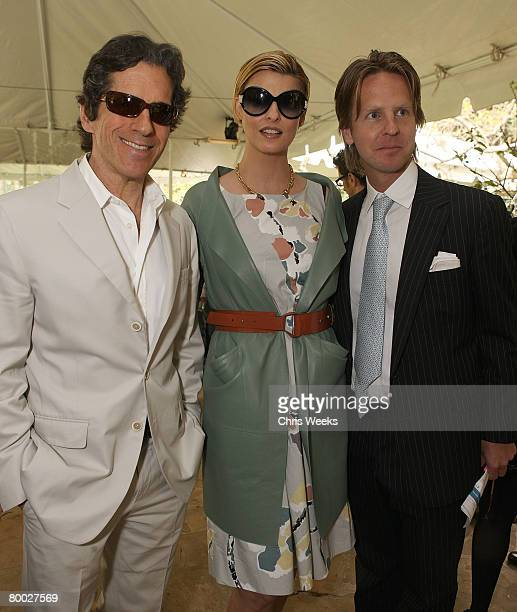 BEVERLY HILLS CA FEBRUARY 21 Peter Morton model Linda Evangelista and David Schulte attend a luncheon hosted by legendary producer Robert Evans at a...