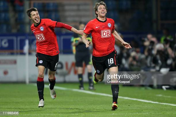 Peter Niemeyer of Berlin celebrates the first goal with Nikita Rukavytsya of Berlin during the Second Bundesliga match between VfL Bochum and Hertha...